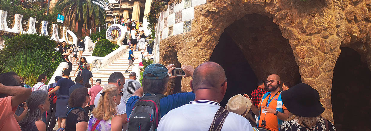 ENJOY THE FULL EXPERIENCE WITH OUR GUIDED TOURS